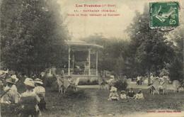 Les Pyrénées (1e Serie) BARBAZAN ( Hte Garonne) Dans Le Parc Pendant Le Concert Labouche Recto Verso - Barbazan