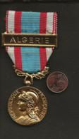 """Militaria / France / AFN Médaille Commémorative Opérations Sécurité Et Maintien De L'Ordre """"Algérie"""" Graveur J.Carlier - Francia"""