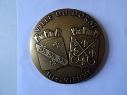 Médaille Bronze Doré Armoirie Ville Du DORAT Hte VIENNE Médaille D'honneur De La Commune Du Dorat Etc   65 Mm 150 G  TBE - Otros