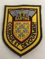 ECUSSON SAPEURS POMPIERS SDIS 72    SARTHE - Blazoenen (textiel)