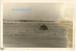 Belgique, 1940 - Knocke-Heist - Mine Marine échouée Sur La Plage - Luftwaffe - Aufklärungsgruppe 21 - Westfeldzug - Krieg, Militär