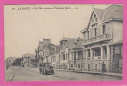 D44 - LA BAULE - LA VILLA ADRIANA ET BOULEVARD DARLU - Véhicule Ancien - La Baule-Escoublac