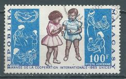 Madagascar Poste Aérienne YT N°99 UNICEF 1965 Année De La Coopération Internationale Oblitéré ° - Madagascar (1960-...)