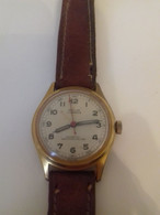 VINTAGE MONTRE ANCIENNE   RARE MILUS    NE FONCTIONNE PAS A RESTAURER - Watches: Old