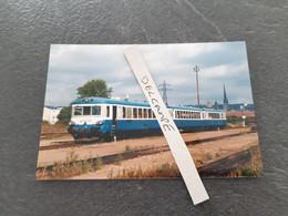 SNCF : Photo Originale L THOMAS : Autorail X 4906 Au Dépôt De Sotteville Les Rouen (76) En 1999 - Treinen