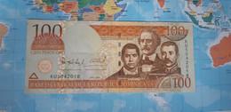 DOMINICAN REPUBLIC 100 PESOS ORO P 171d 2004 USED VF+ - Dominicana