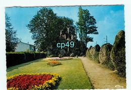 B - 49 - LA TOURLANDRY - Le Calvaire - Altri Comuni