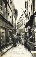 11998 - Aveyron - RODEZ  :  RUE NEUVE   Charcuterie Segunet ( à Gauche) Magasins Clients Trés  Belle Animation - Rodez