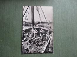 62 BOULOGNE SUR MER PECHEURS AU PORT BATEAU - Boulogne Sur Mer