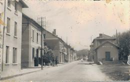 J116 - 38 - LES AVENIÈRES - Isère - Avenue De La Gare - Les Avenières