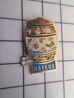 712A Pin's Pins / Beau Et Rare / THEME : VILLES / BAYEUX TONNEAU DE CIDRE ? - Städte