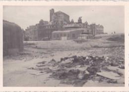 Photo Format 10-7 Cm Faite Le 24 Juin 1945 - Restes Du Kursaal D'Ostende - Photo Originale - 2 - Plaatsen