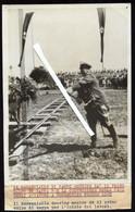 OSTERREICH LINZ 1938 PRESS FOTO - HERMANN GÖRING BEIM SPATENSTICH ZUM FLIEGERHOST HÖRSCHING BEI LINZ - War, Military