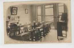 ROYAUME UNI - ENGLAND - CHELTENHAM - Ursuline Ladies College , Fullwood Park - A Junior Class Room - Cheltenham