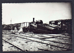 LYON: Lot Historique De : 1 Photo Sur Le Bombardement Du 25/05/1944 Et De 4 Autres Photos Sur Le Bombardement... - Otros