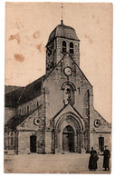 02 CHAVIGNON - CARTE PHOTO - L'église Avec Le Curé Et Une Paroissiènne - Cpa Aisne - Altri Comuni