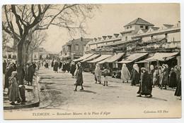 7/ CPA TLEMCEN  14 Revendeurs Maures De La Place D'Alger  ND Phot - Tlemcen