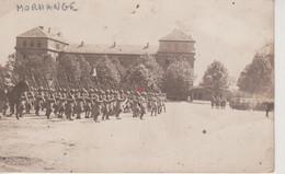 57 - MORHANGE - CARTE PHOTO - DEFILE DU 156° RGT. INF. LE 14.07.1920 - Morhange