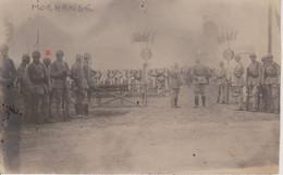 57 - MORHANGE - ACHAIN - CARTE PHOTO - CEREMONIE AU CIMETIERE - LE 20.08.1920 - Morhange