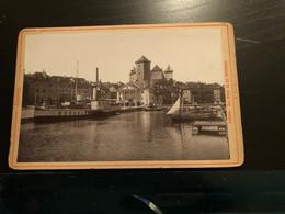 Photo Vers 1880 Annecy 73 Savoie  - Le Port Et Le Château - Bateau Anime - Antiche (ante 1900)
