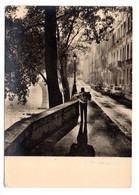 Photographe  Albert Monier-- PARIS  4ème -- 1956--Le Quai De Bourbon Vers Le Pont Marie (petite Animation,Citroen 2CV ) - Distretto: 04
