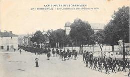 REMIREMONT Les Chasseurs à Pied Défilant En Ville - Remiremont