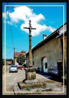 39  MIEGES  ...   Croix Au Centre Du Village - Other Municipalities