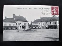 HENRICHEMONT Place Henri IV, Coté Ouest - En 1925 - Henrichemont
