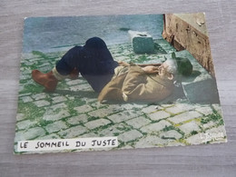 LE SOMMEIL DU JUSTE - EDITIONS LYNA - PHOTO LOUIS BUFFIER - - Humor