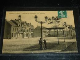 -HENIN-LIETARD - PLACE DE LA REPUBLIQUE ET LE KIOSQUE - 62 PAS DE CALAIS (CQ) - Henin-Beaumont