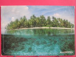 Maldives - Island Paradis In Male Atoll - Joli Timbre - R/verso - Maldives
