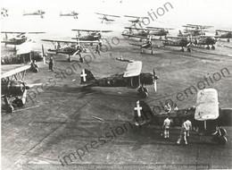 PHOTO AVION      FIAT CR-42 FALCO EN GROUPE   RETIRAGE REPRINT - Aviación