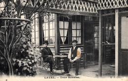 Thematiques 53 Mayenne Laval  Café Bistrot Terrasse Tour Renaise  Datée Main 1909 - Laval