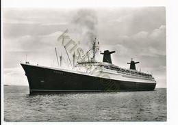 Bremerhaven - Passagierschiff France  [Z14-0.516 - Unclassified