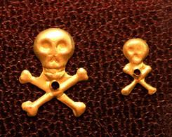 "Peu Courant ! Série De 2 ""Memento Mori"" De Crucifix - Skull - Tête De Mort - Religion & Esotérisme"