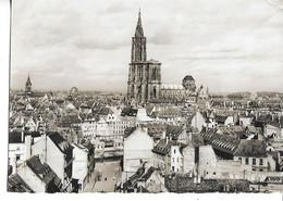 .CPSM STRASBOURG 67 :   Vue Générale - La Cathédrale  1953 - Strasbourg