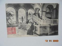 Le Mont Dore. L'Etablissement Thermal A L'heure De La Cure. L'Escalier Sud. CCC&C / MTIL 623 PM 1905 - Le Mont Dore