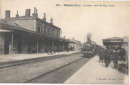 27 Gisors La Gare Arrivée D'un Train - Gisors