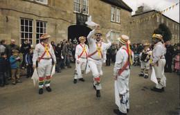 Morris Dancer Dancing At Mellis Suffolk Postcard - Zonder Classificatie