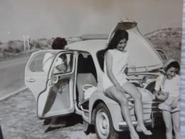 4 CV Renault Capot Ouvert (photo) - Automobile