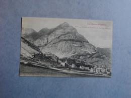 Village De GAVARNIE Et Pic De Secugnac  -  65  -  Hautes Pyrénées - Gavarnie