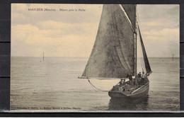 CPA 50 - BARFLEUR  ( Ref 50-123 ) Départ Pour La Pêche - Barfleur