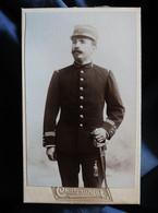Photo CDV Chateauneuf à Avignon  Militaire Capitaine 117e Infanterie  CA 1895-1900 - L527B - Antiche (ante 1900)