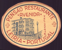 "Etiqueta / Rotulo De HOTEL ""Pensão Restaurante AVENIDA Leiria"". Vintage HOTEL Luggage Label PORTUGAL - Hotel Labels"