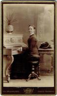Photo. CDV. Jeune Femme Au Piano. Foto Brackelaire, Tournai. - Old (before 1900)