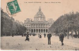 N° 8773 R -cpa Saint Etienne   -place De L'hôtel De Ville- - Saint Etienne