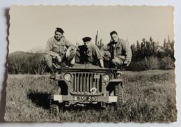 à Identifier Photographie Militaire 3 Soldats Sur Jeep Militaire - Guerre, Militaire