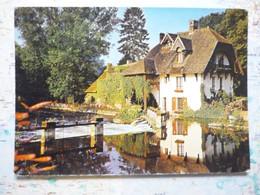 Le Moulin De Fourges Dans La Vallée De L'Epte - Fourges