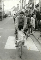 ( CYCLES  )( CYCLISTES  )  ( COURSE )( PHOTO MACRON )( AULNAY SOUS BOIS ) 06  AVR 1980 - Wielrennen
