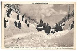Gare Du Col De La CROIX HAUTE En Hiver - Chasse-neige En Tête D'un Train - Equipes Travaillant Au Déblaiement - Sin Clasificación